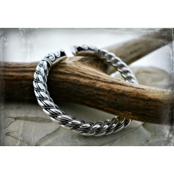 Silver Viking bracelet with dragon head terminals