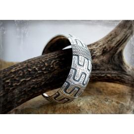 Heavy Viking silver bracelet / arm ring from Gotland