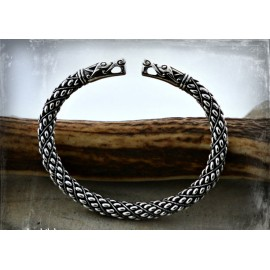 Silver Viking bracelet with wolf head terminals - silver