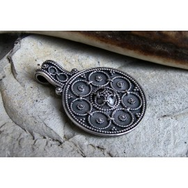 Round Viking filigree pendant replica, in bronze