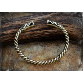 Premium Quality Viking bracelet with wolf head terminals - bronze